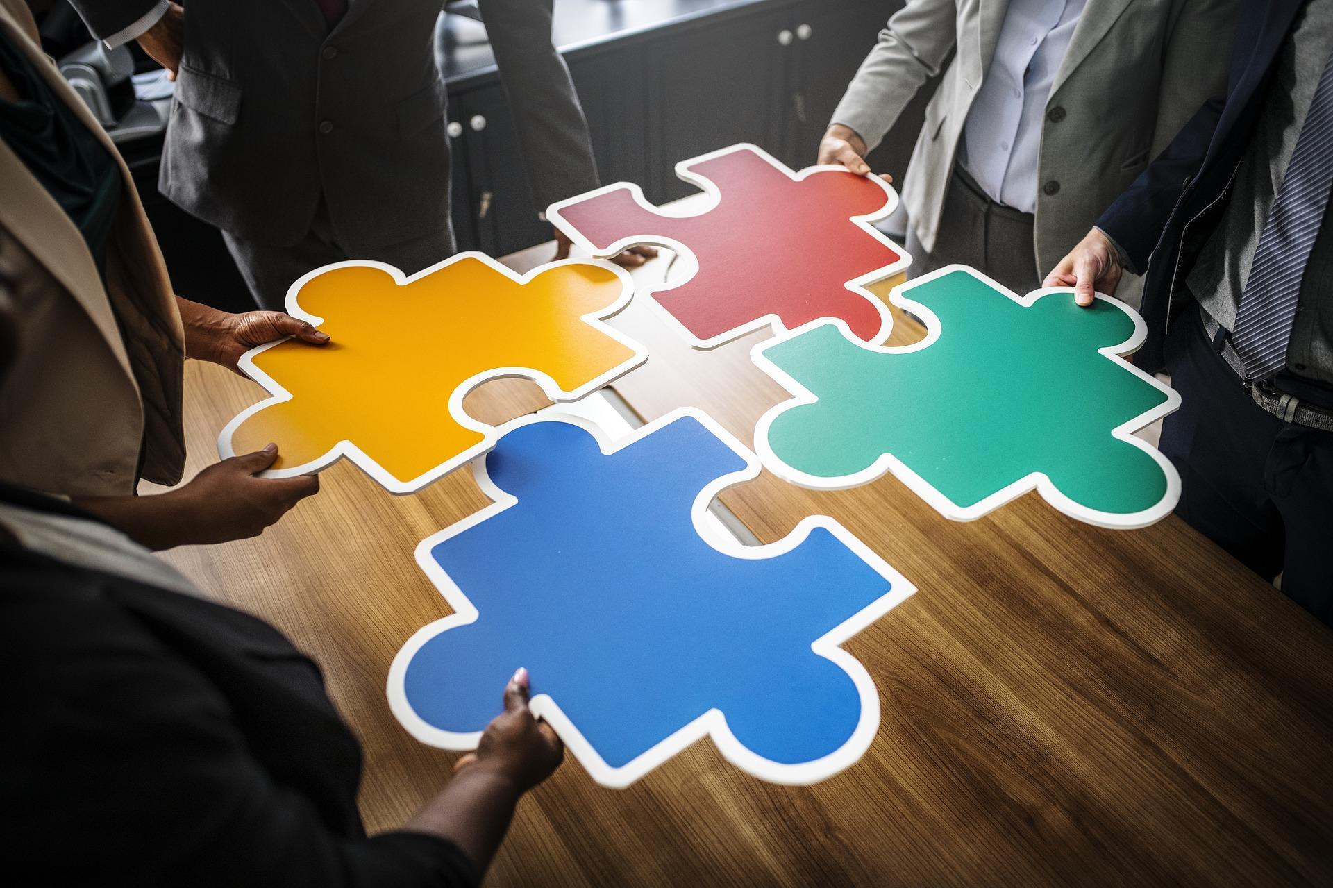 Brikker viser brukeradopsjon og samarbeid
